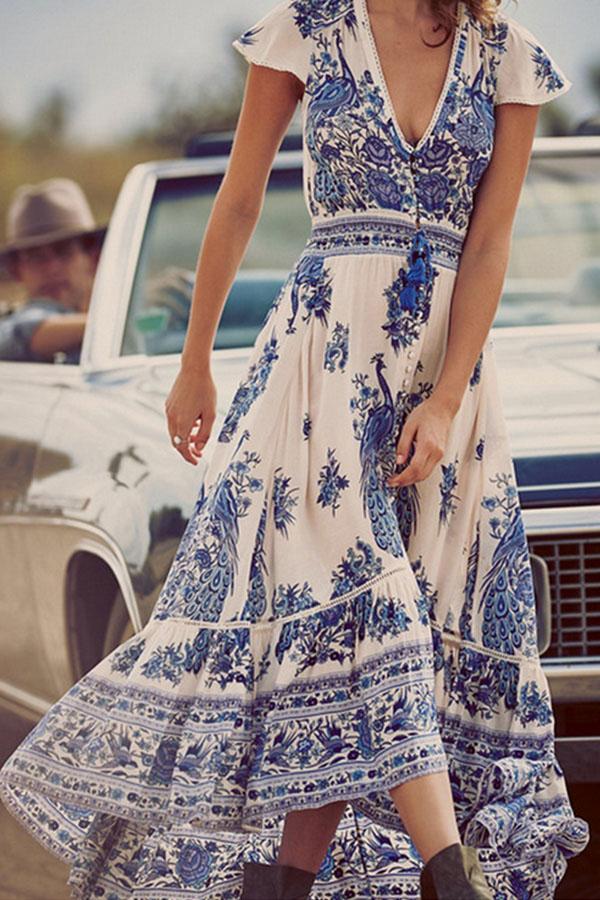 Boho Vintage Maxi Dresses #boho #bohemian #vintage #bohodress #bohemiandress #vintagedress #bohooutfit #bohemianoutfit #vintageoutfit