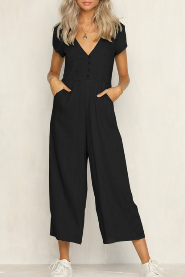I love this Spring Loose Black Jumpsuit with pockets