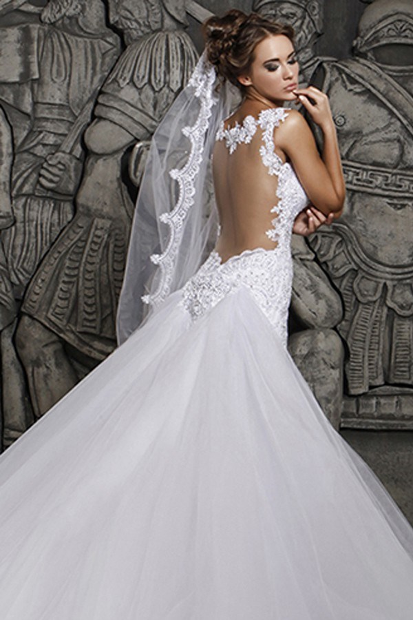 Magnificent Lace And Tulle Mermaid Wedding Dress