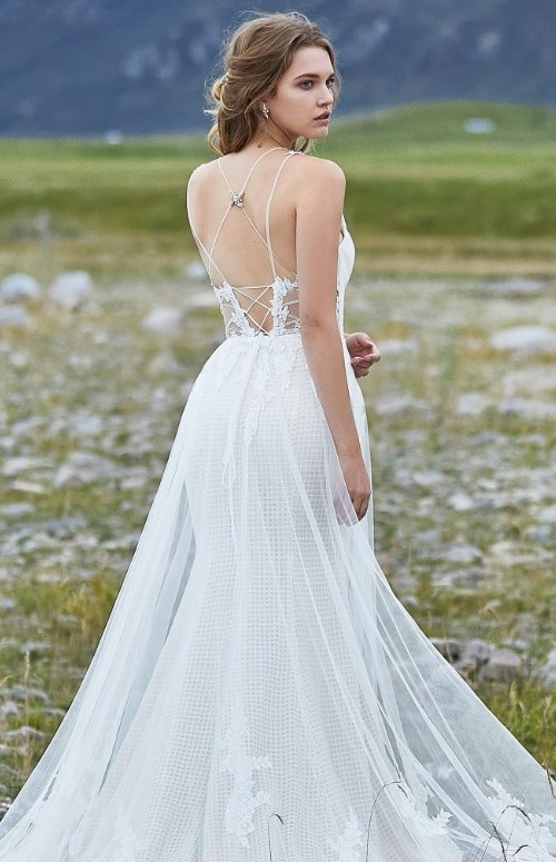 mermaid wedding dress with overlay tulle skirt