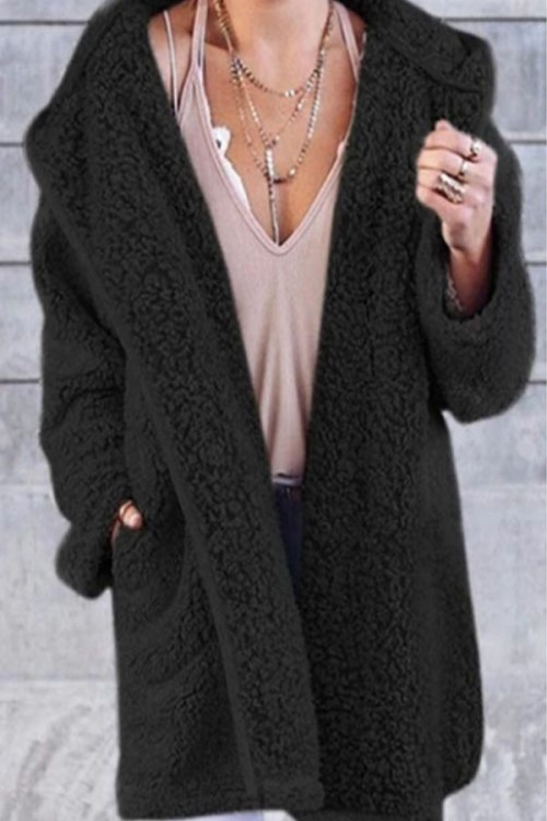Casual black plush coat Ideal to keep warm this winter!