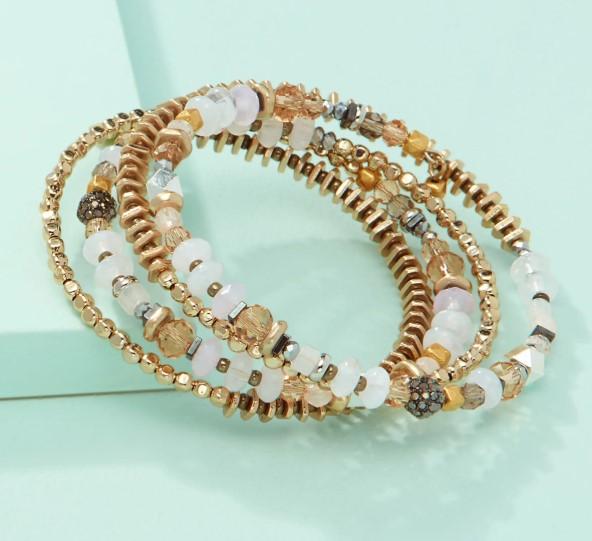 Glass and Metallic Beads Bracelet