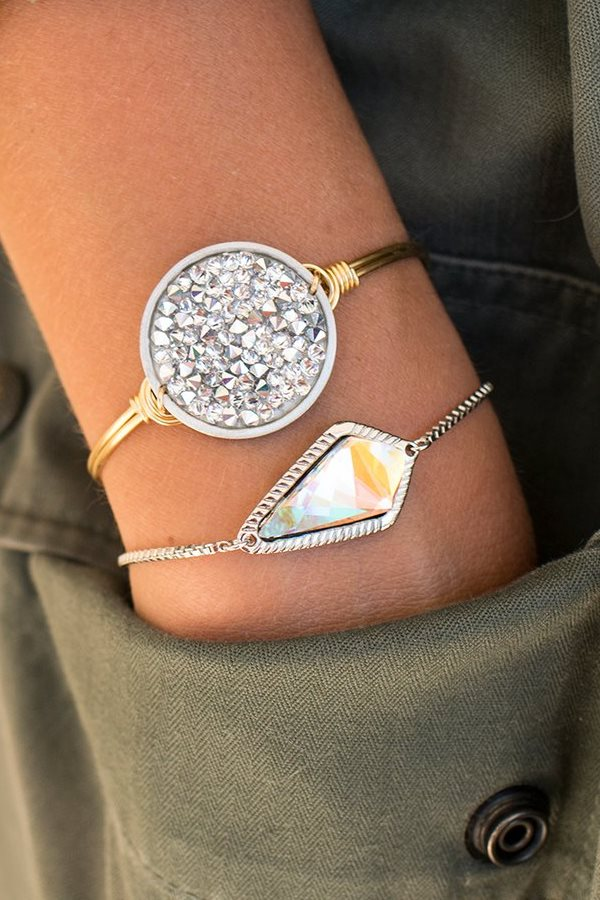 Who doesn't love a little sparkle! i love this bracelet with Swarovski crystals