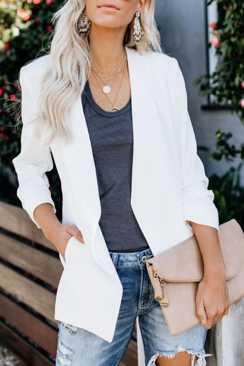 How beautiful this fall outfit! White blazer, gray blouse, jeans and earrings make the whole outfit stand out! hippy chic style