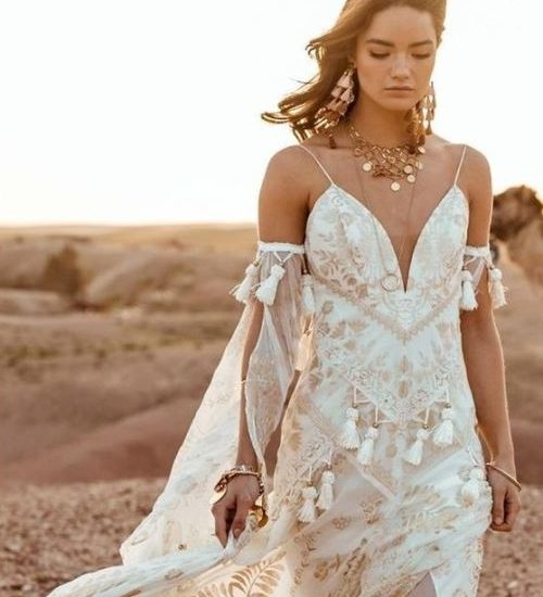 Nomadic Style Girl - inspiration bride dress