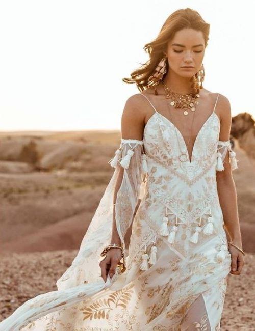 Nomadic Style Girl - inspiration bride dress