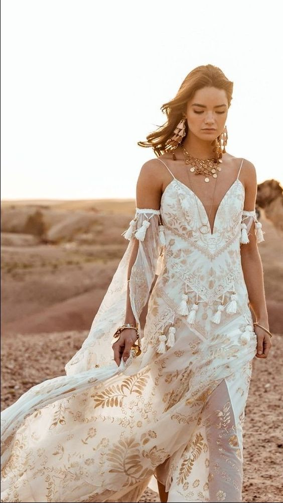 Stunning boho wedding dress - morocco desert wedding #bohoweddingdress #weddingdress #bohobride #moroccodesert