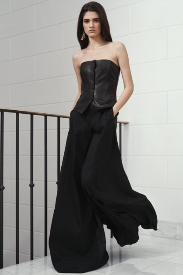 gorgeous outfit! Black leather bustier and black palazzo trousers - copia