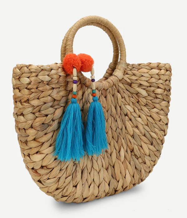 i love this straw tote bag decorated with colored tassel