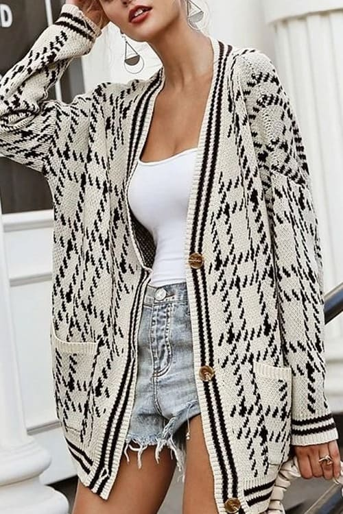 Beatiful Casual Cardigan in black and white