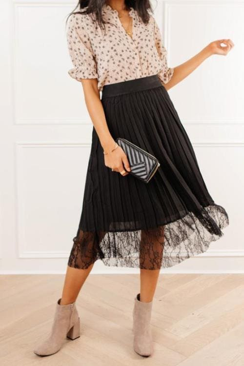 Lace Detail Pleated Skirt