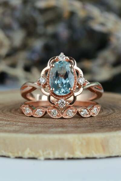 Gorgeous Aquamarine Engagement Ring
