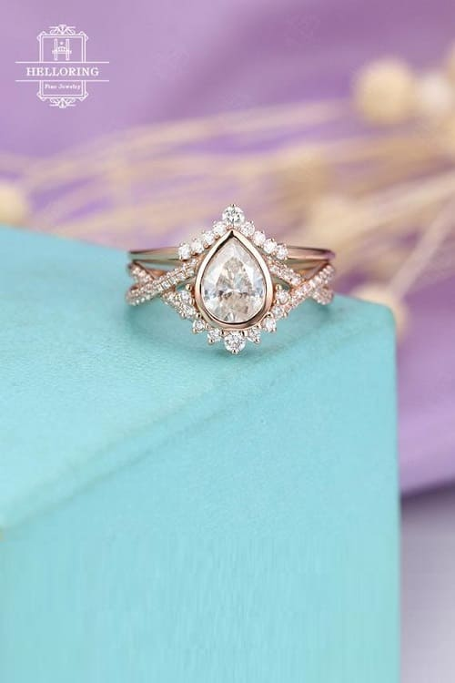 Gorgeous Vintage Moissanite Engagement Ring Set!