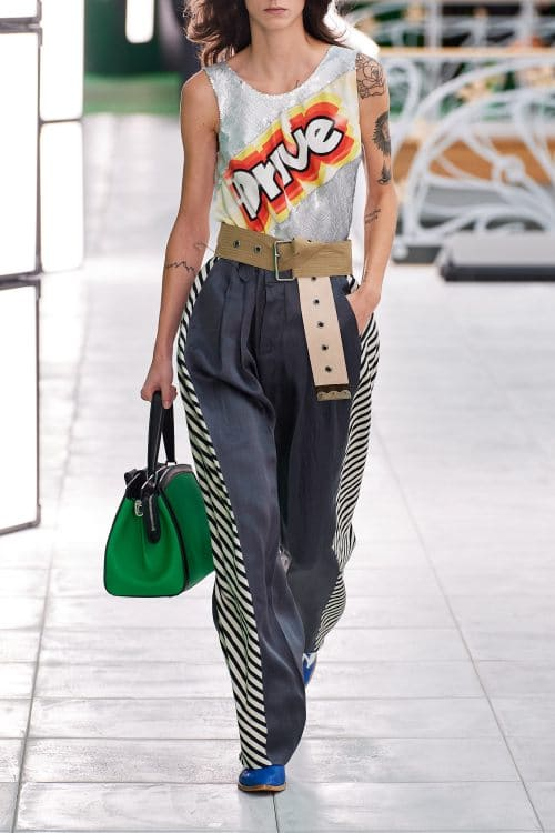 wide trousers is the most elegant and chic of the spring summer 2021 trends