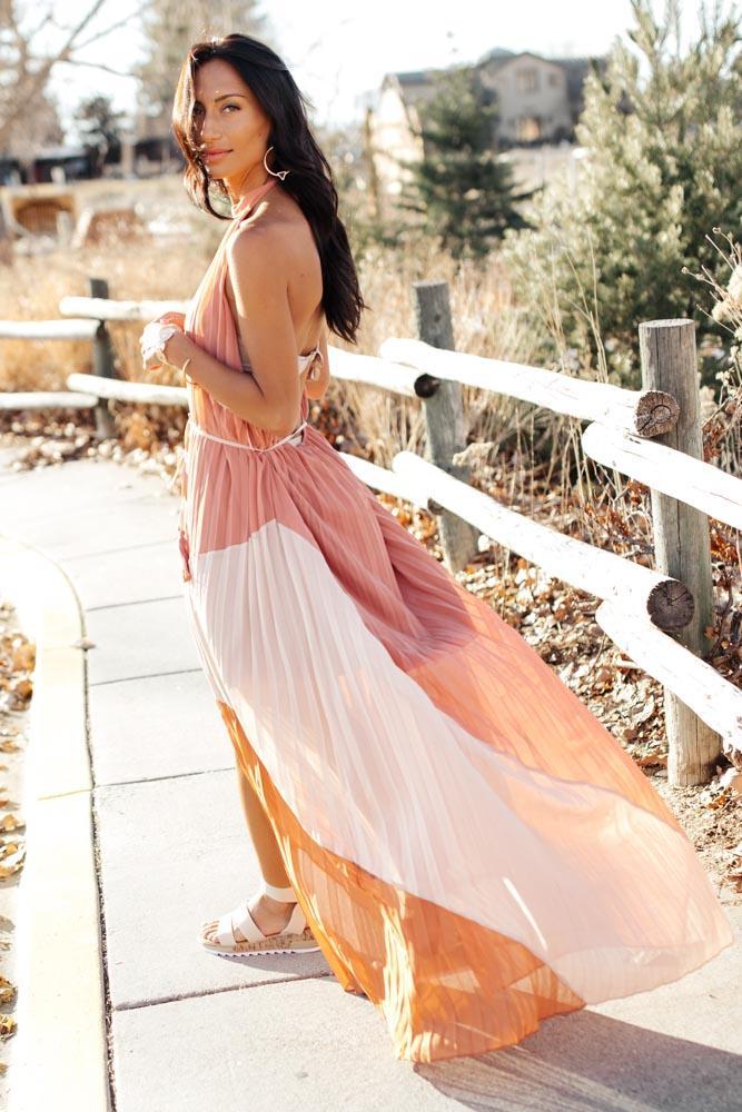 Sensual & Delicate Bohemian Dress, Beautiful and sensual backless vaporous pleated maxi dress