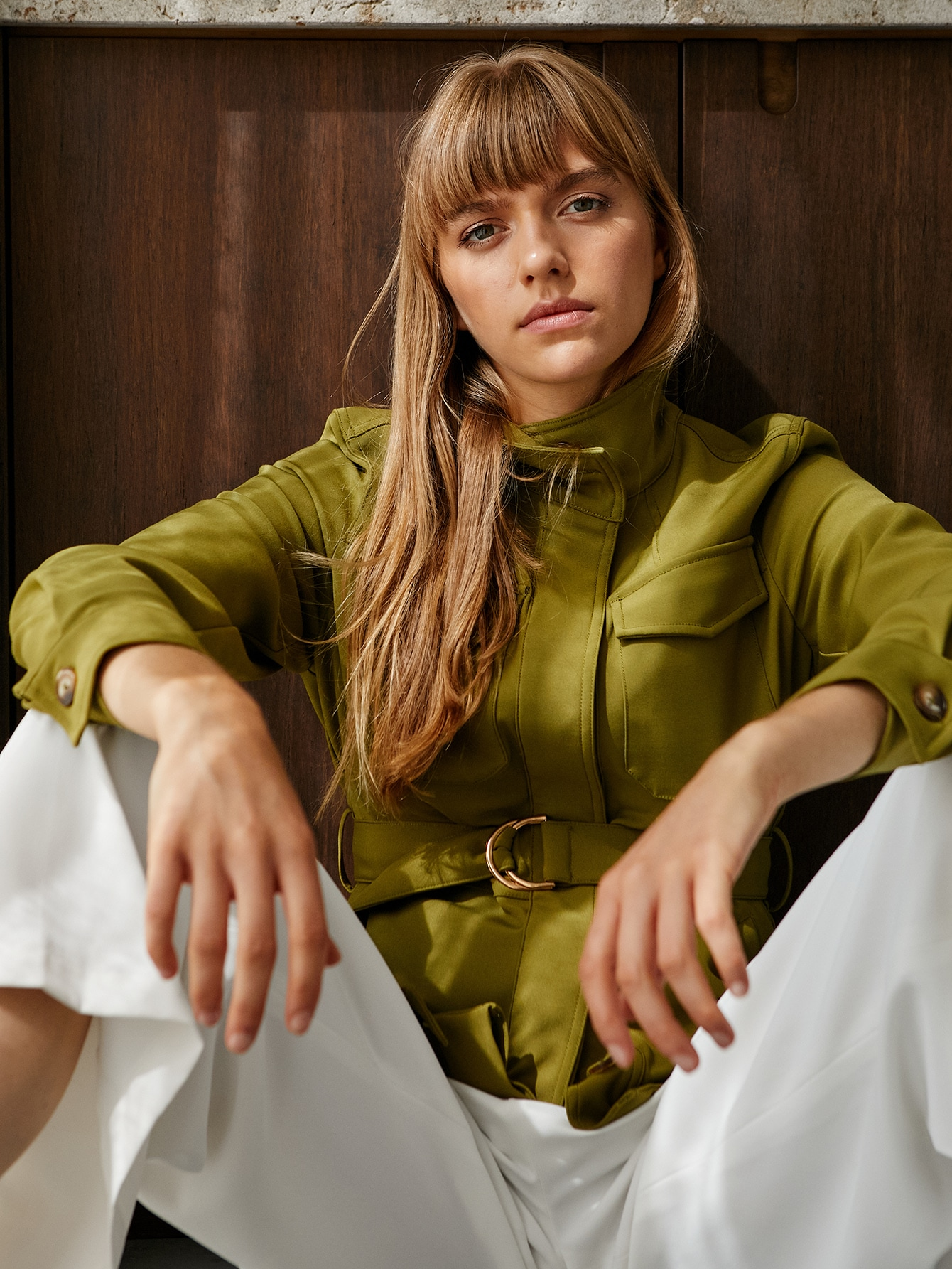 I love this Olive Green jacket! Beautiful autumn look.